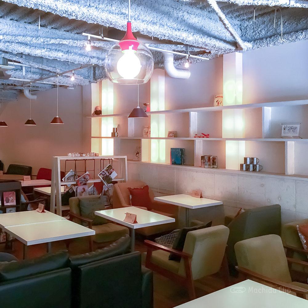 CAFE KATSUO(カフェ カツオ)の店内の写真