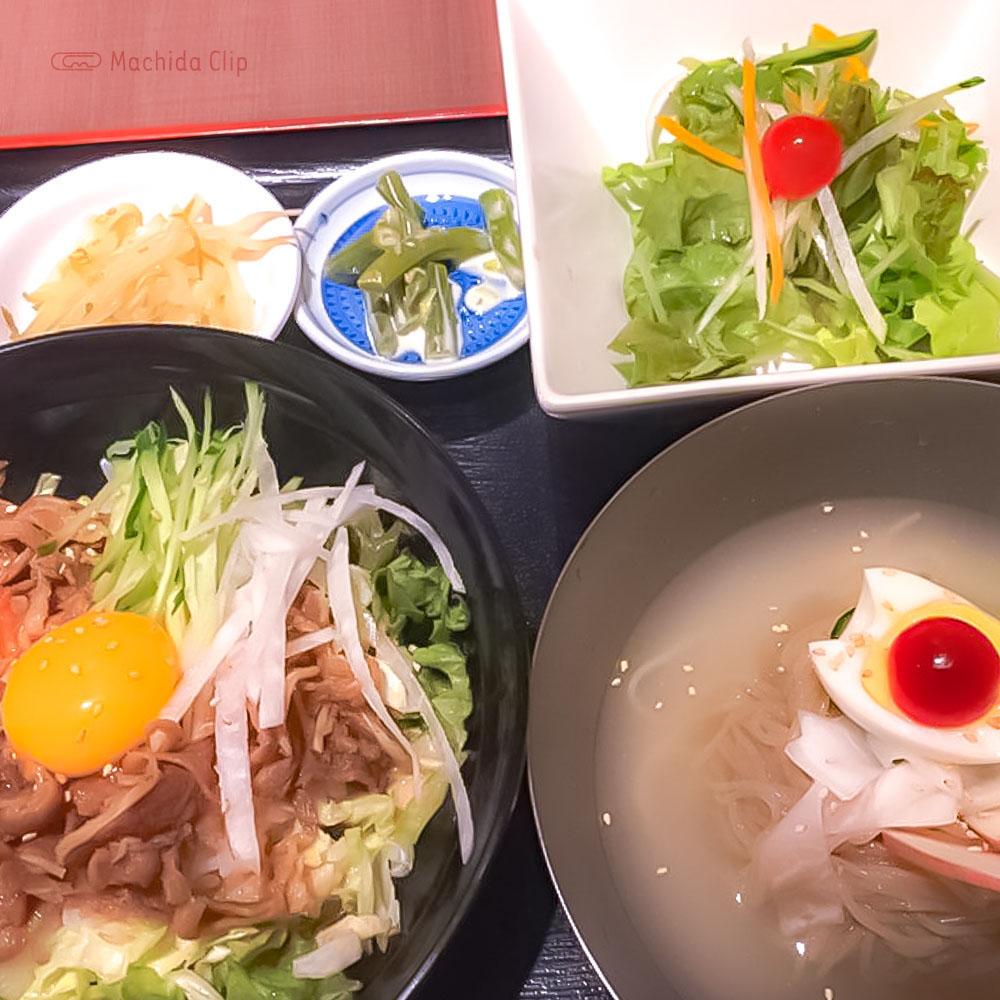 韓国家庭料理 チェゴヤ 町田東急ツインズ店の「プルコギサラダ丼セット」の写真