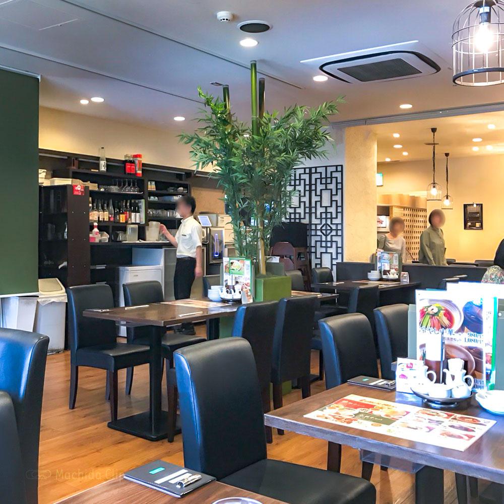 大連餃子基地 DALIAN(ダリアン)町田店の店内の写真
