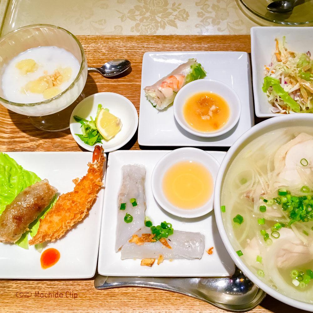 「ジャスミンパレス 町田店」パクチー抜きや辛さ調節で自分好みにアレンジできるベトナム料理店の写真