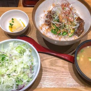 黒ぶたや ルミネ町田店の「とんてきアボカド丼」の写真