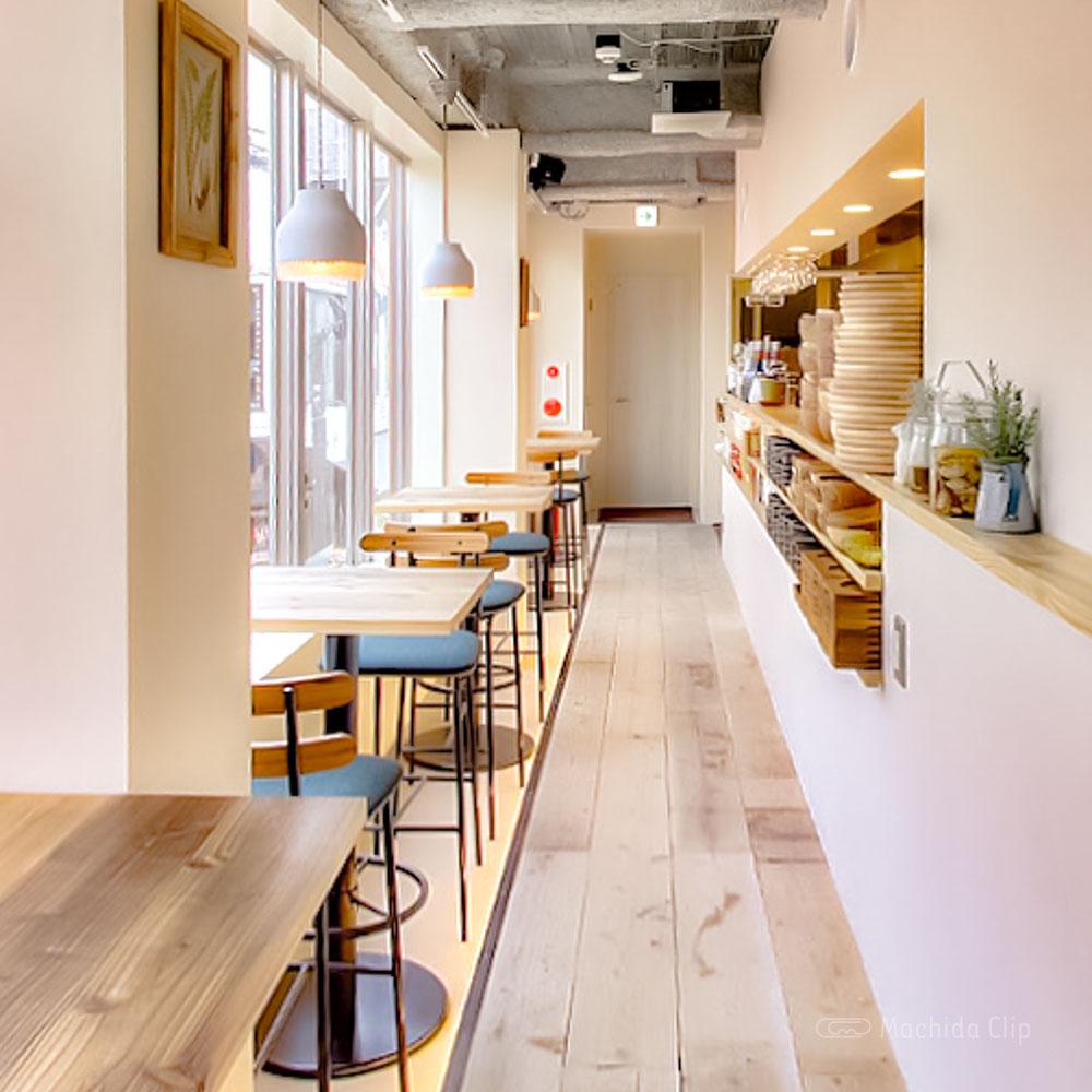 Cafe&BAR Monica&Adriano(モニカ&アドリアーノ)の2階店内の写真