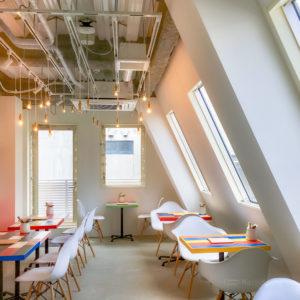 Cafe&BAR Monica&Adriano(モニカ&アドリアーノ)おしゃれ感抜群でリーズナブルな人気カフェ 階ごとに異なる内装が素敵すぎる!の写真