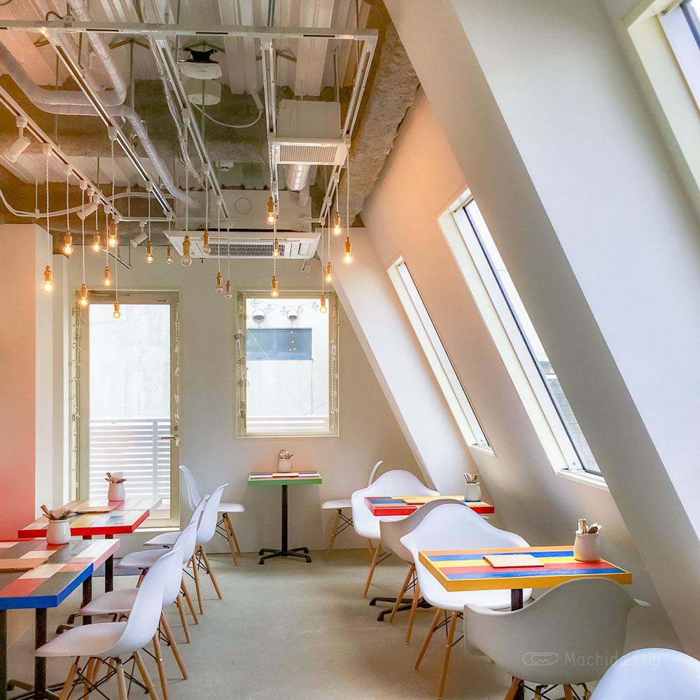 Cafe&BAR Monica&Adriano(モニカ&アドリアーノ)の3階店内の写真