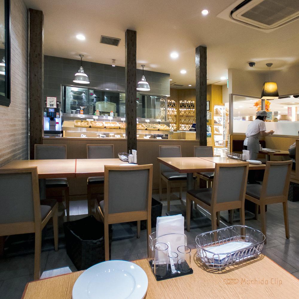 バケット 町田東急ツインズ店の店内の写真