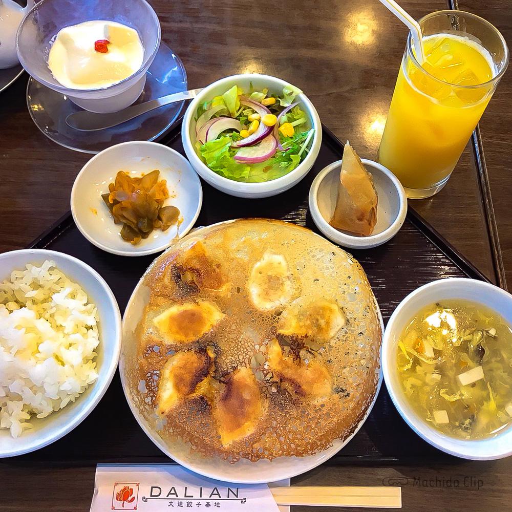 大連餃子基地 DALIAN(ダリアン)町田店の「焼餃子セット」の写真