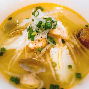 ベトナムリゾートレストラン HaNoi Machi(ハノイマチ)の「海鮮のフォー」の写真