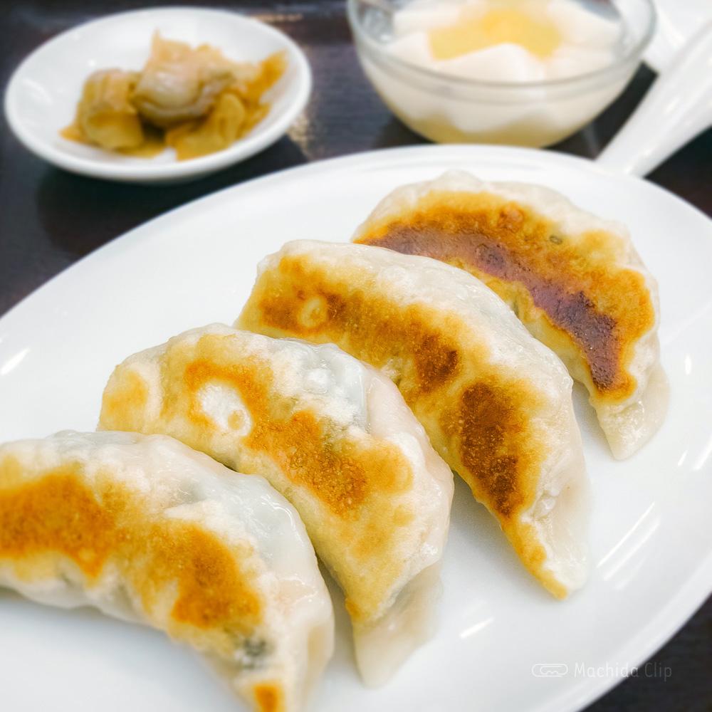 中華料理 鳳鳴春 の「餃子」の写真