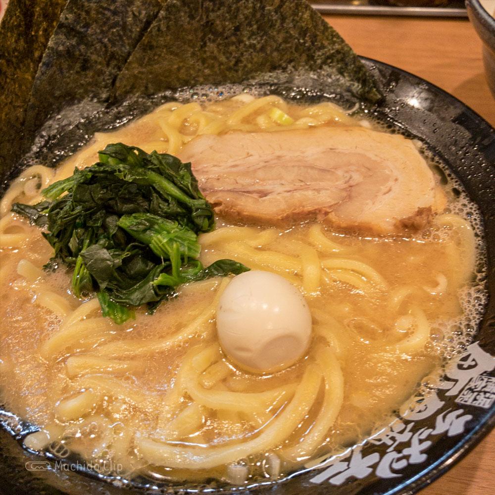 横浜家系ラーメン 町田商店 本店の「塩ラーメン」の写真