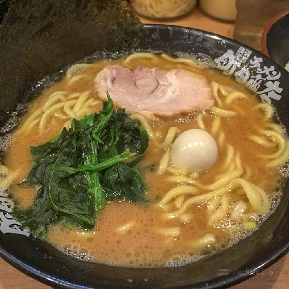 横浜家系ラーメン 町田商店 本店の「ラーメン」の写真