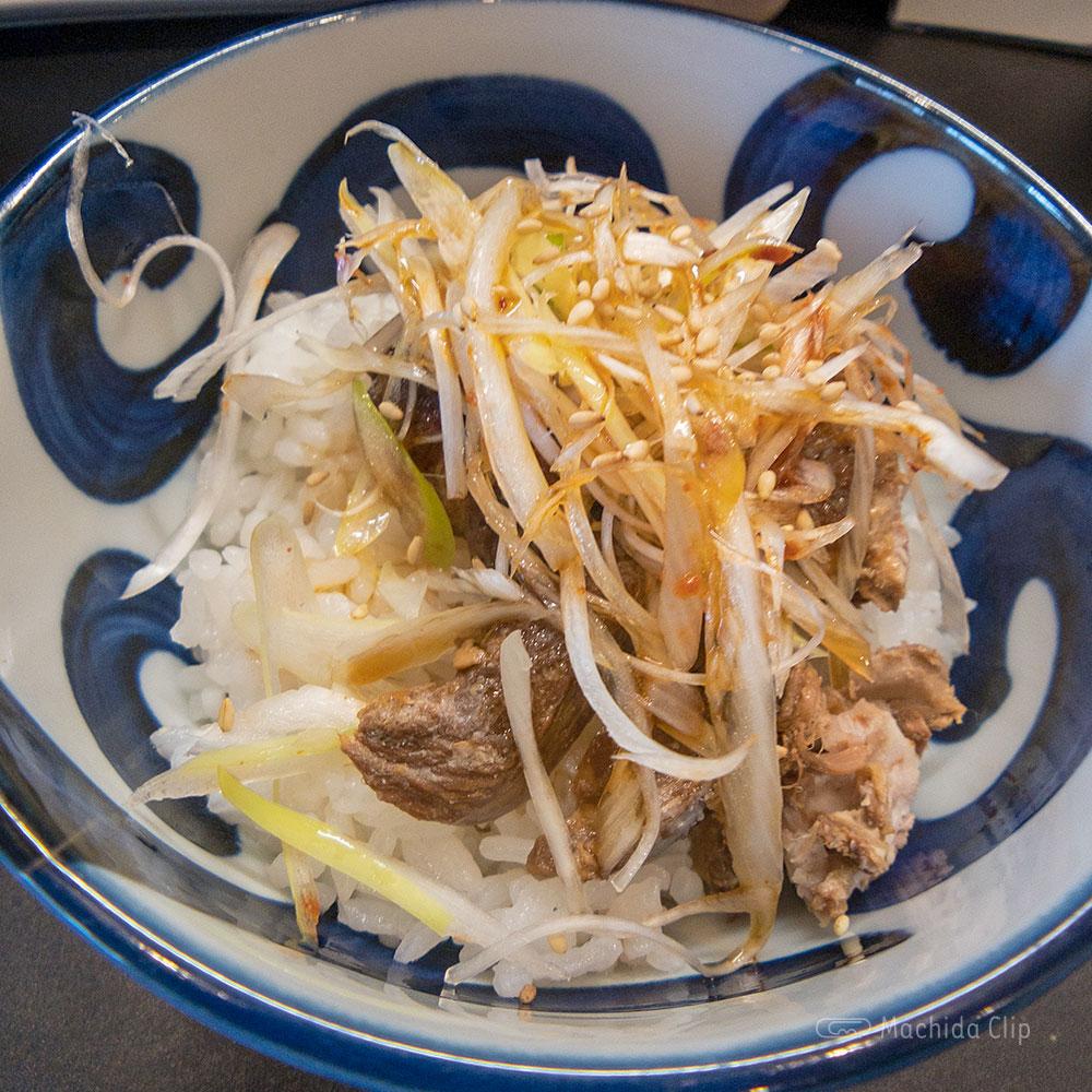 麺屋 くりの「炙りチャーシュー丼」の写真