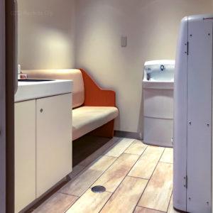 「町田マルイ」の授乳室をレポート!ミルクのお湯も使える完全個室の写真