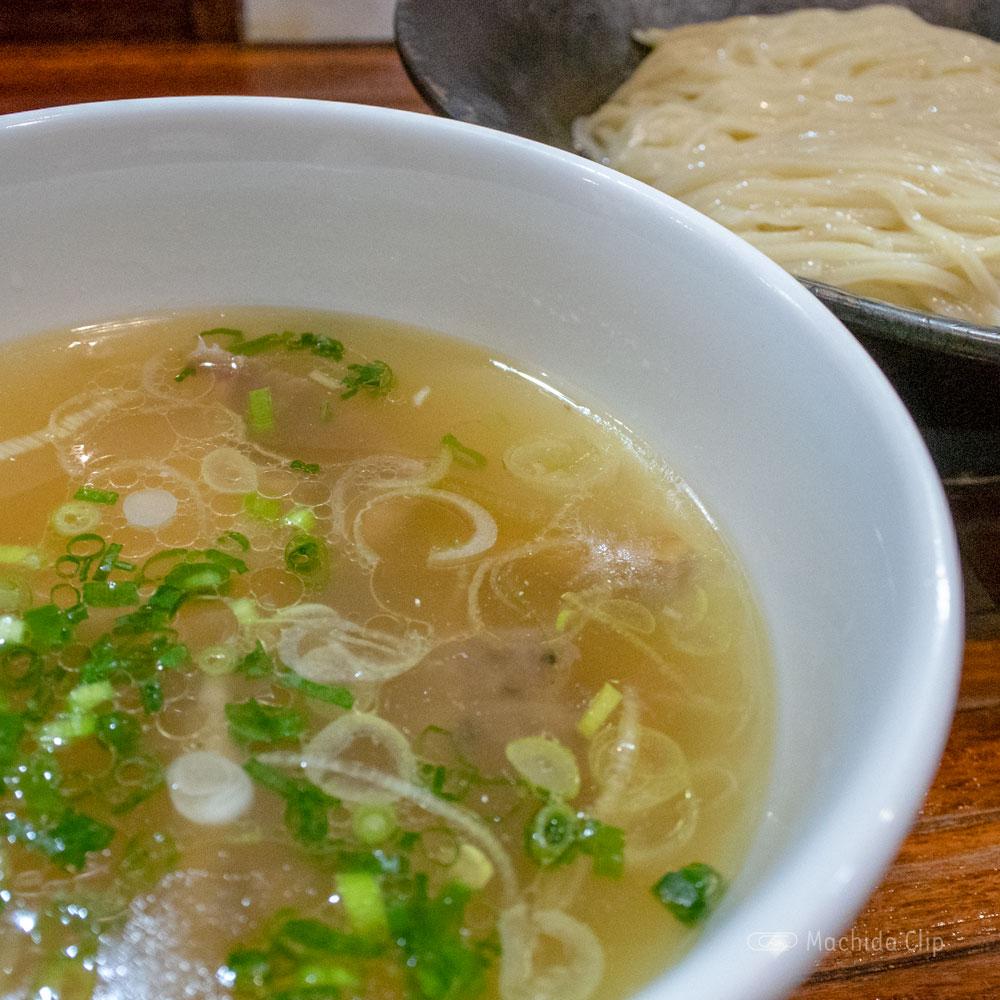 町田汁場 しおらーめん進化 町田駅前店の「しおつけ麺」の写真