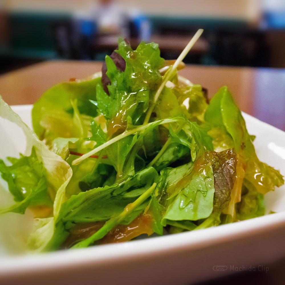Bistro chez Riki ビストロシェリキのサラダの写真