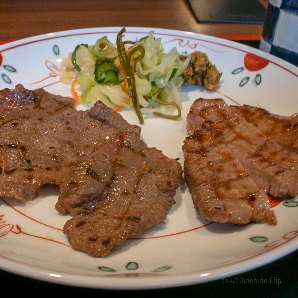 牛たん焼き 仙台辺見 町田店 ランチ限定の牛たん焼き定食が人気!の写真