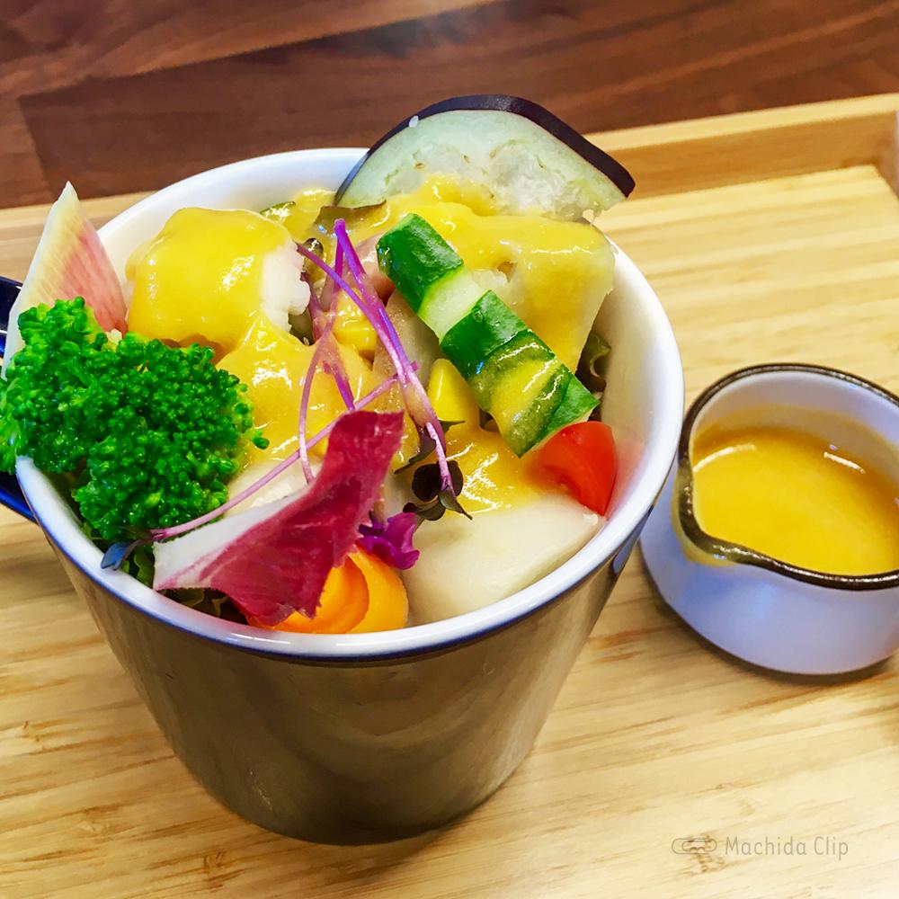 オムライスキッチン AWAAWAのサラダの写真