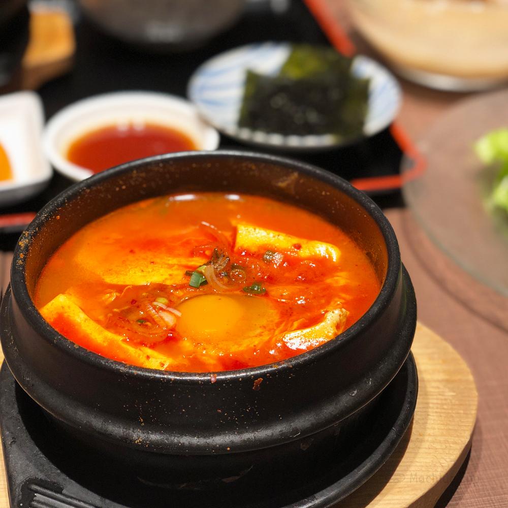 韓国家庭料理 チェゴヤ 町田東急ツインズ店のスンドゥブの写真