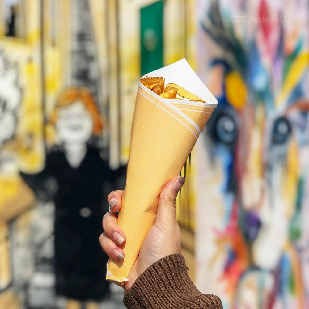 ティーズハウスのクレープ「チョコアーモンド生クリーム」の写真