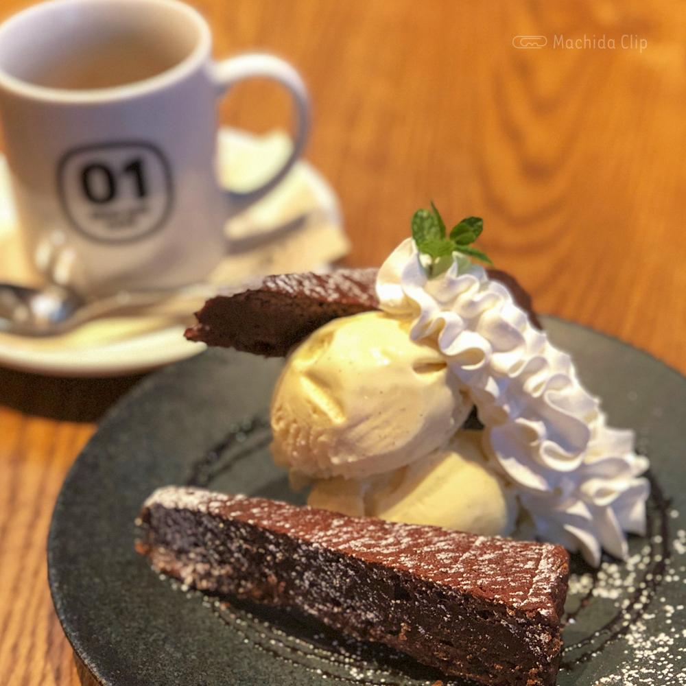 ZERO ONE CAFE(ゼロワンカフェ)のガトーショコラの写真