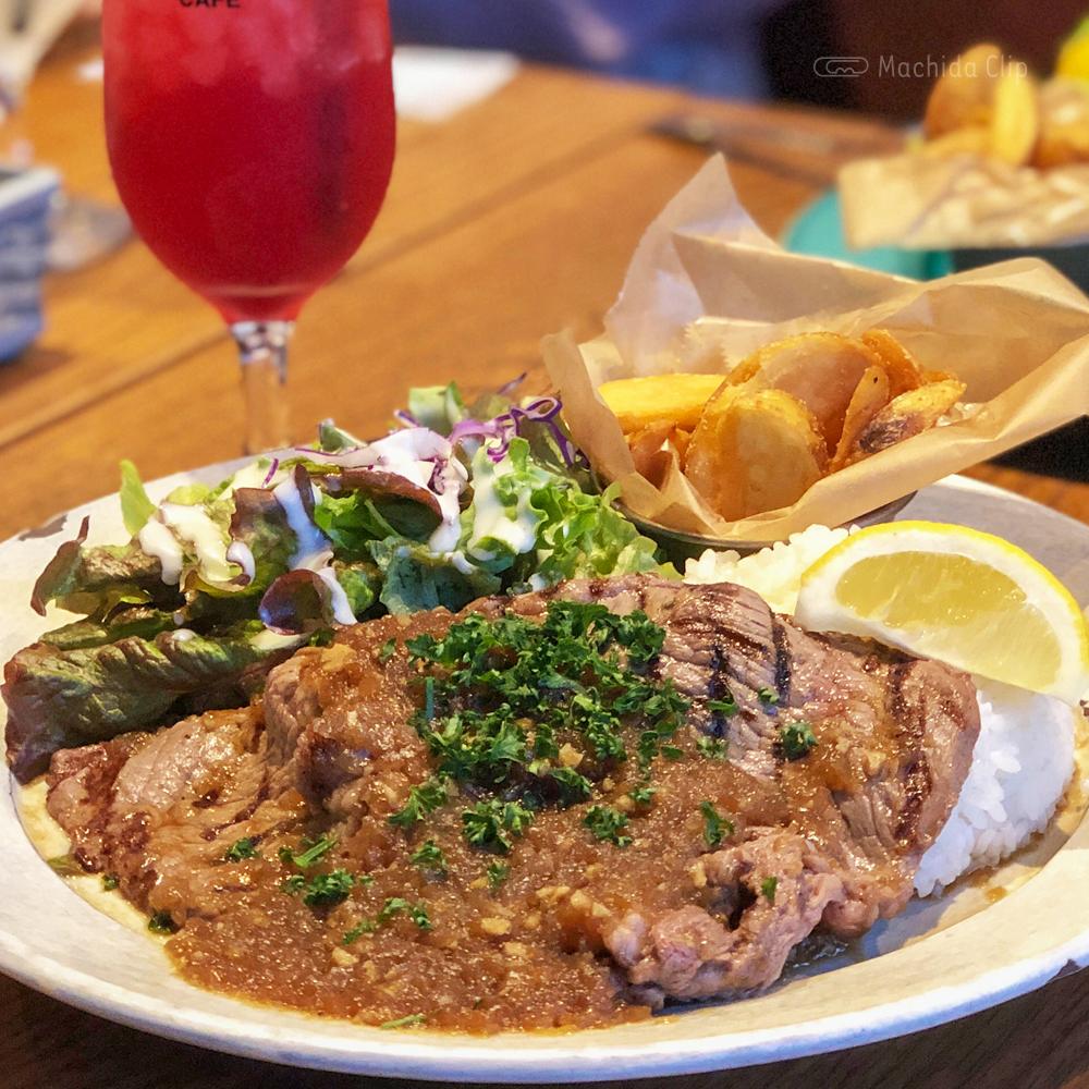 ZERO ONE CAFE(ゼロワンカフェ)のステーキの写真