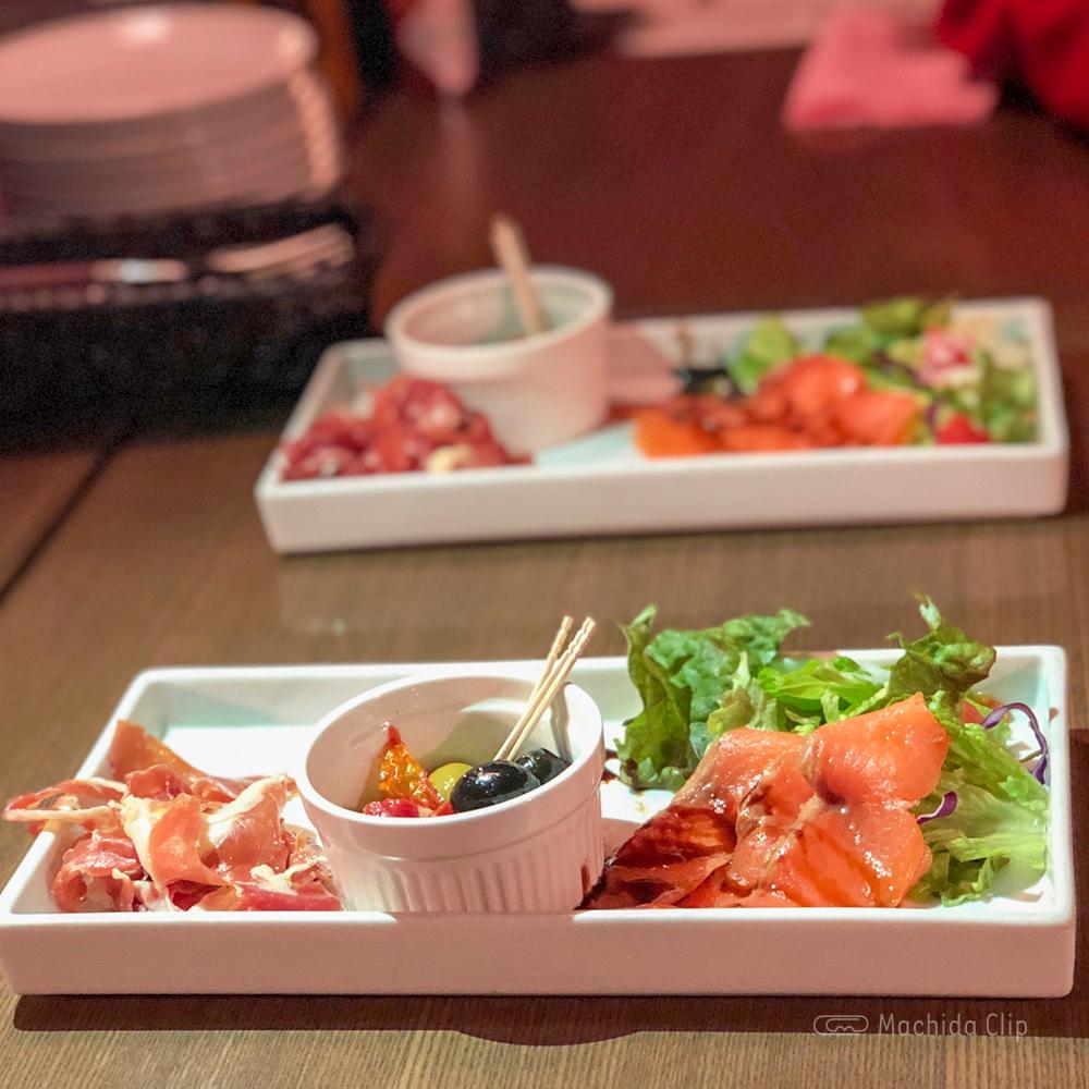 CONA 町田店の前菜の写真