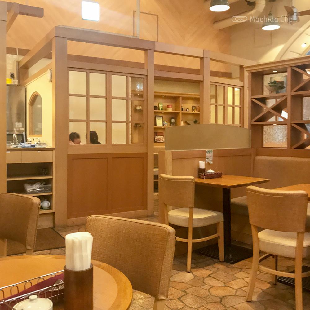 ダッキーダックカフェ 町田ジョルナ店の店内の写真