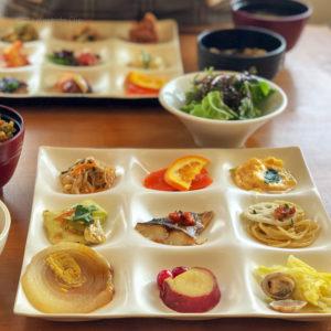 はーべすと 小田急百貨店町田店 自然食の食べ放題!メニューは約50種類!人気料理は「鯖の塩麹焼き」の写真