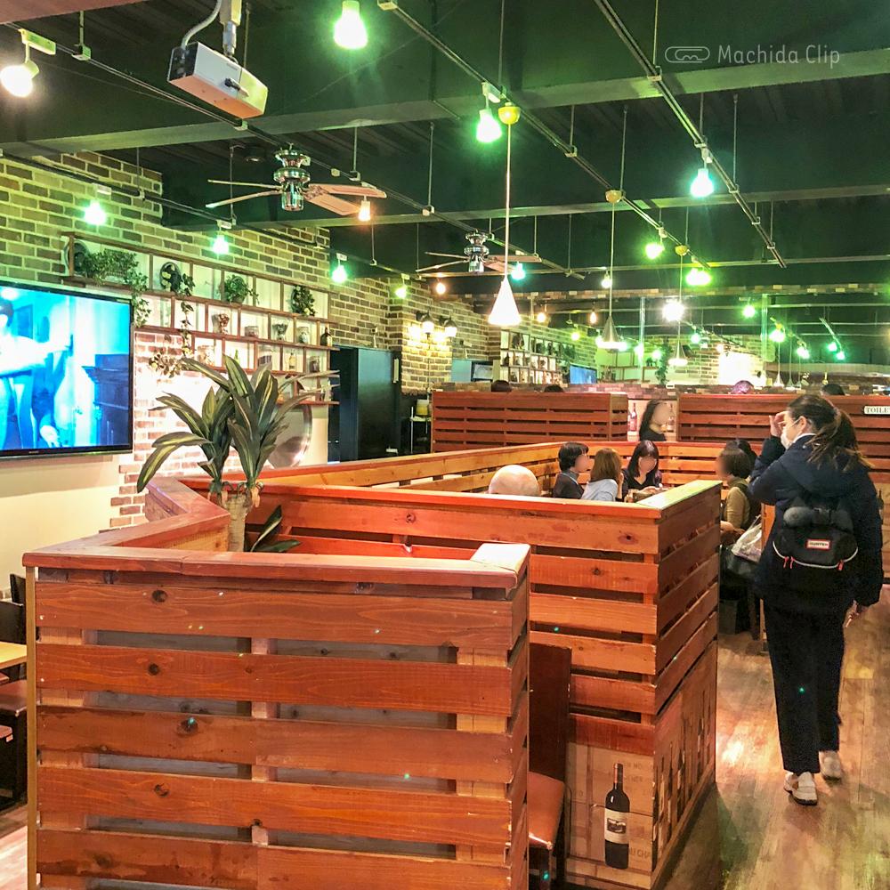cafe&bar sharuru シャルル 町田店の店内の写真