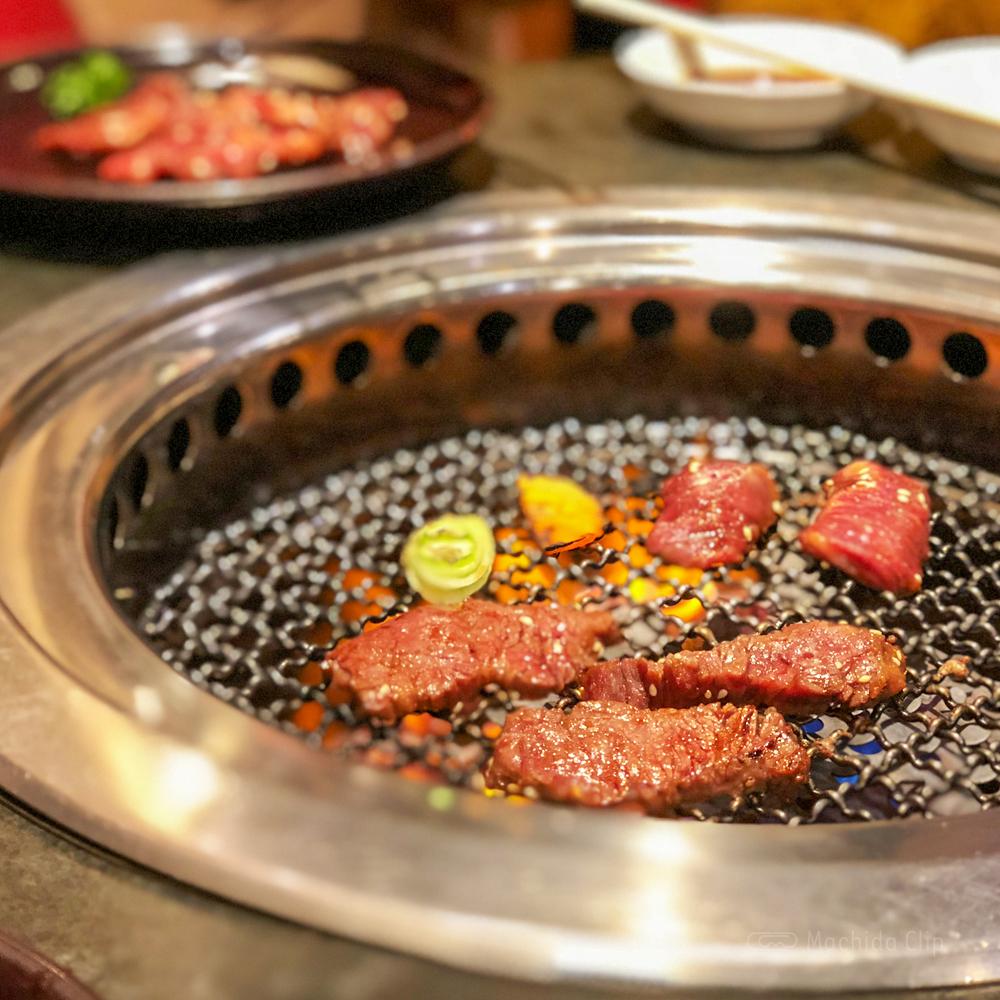 焼肉志も川 町田駅前店の焼肉の写真