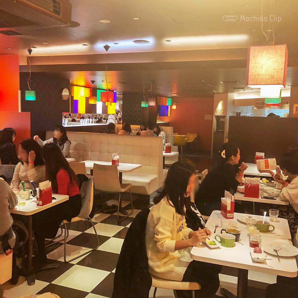 スイーツパラダイス 町田モディ店の店内の写真