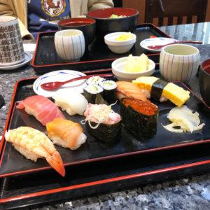 大黒さん 職人が握る人気回転寿司 激安ランチが大人気!の写真