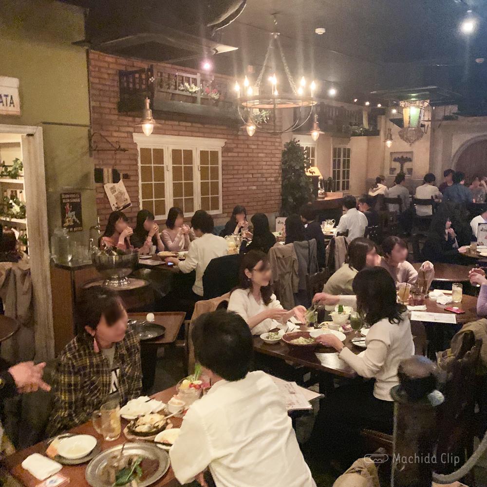 ダンチキンダン 町田店の店内の写真