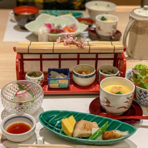 天麩羅・しゃぶしゃぶ・会席 中津川 贅沢に和食のホテルランチの写真