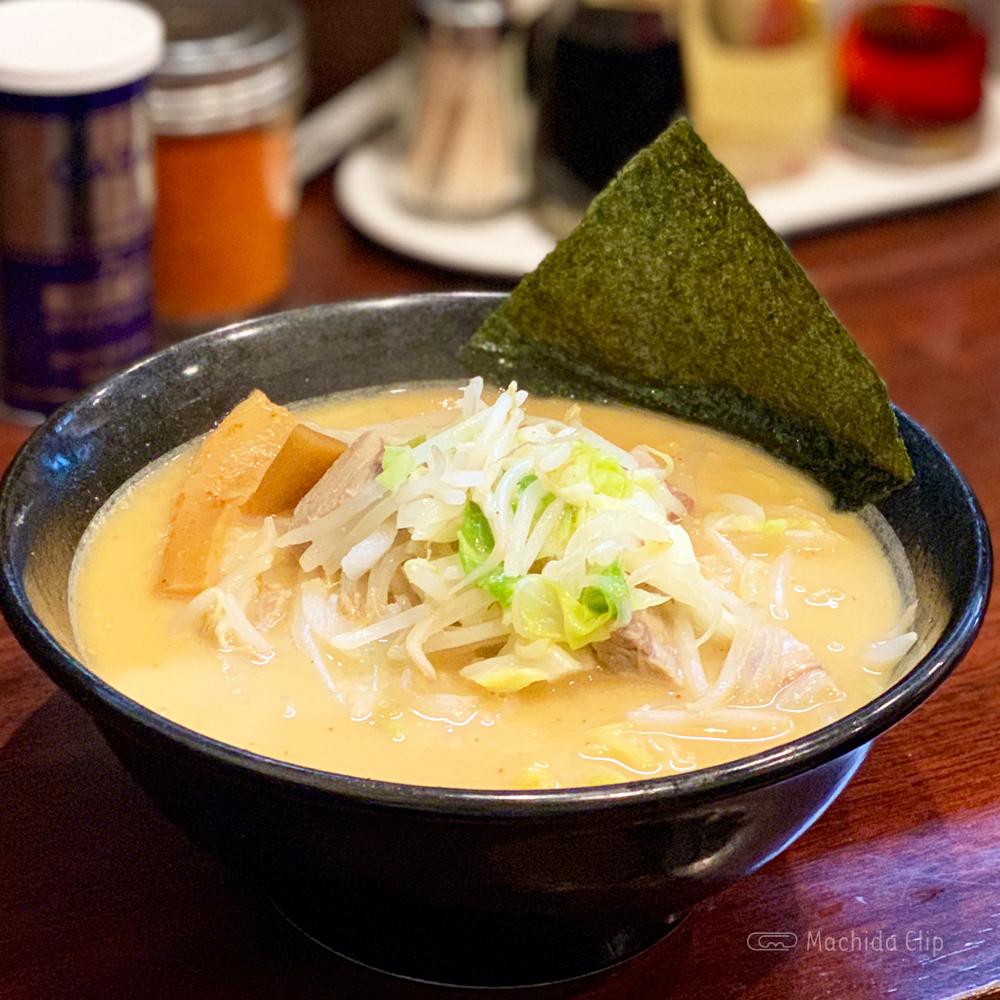 ラーメンおやじ 町田店の辛っ風麺の写真