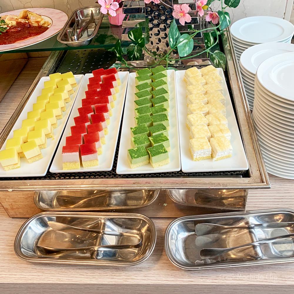 カフェダイニング パームツリーのデザートの写真