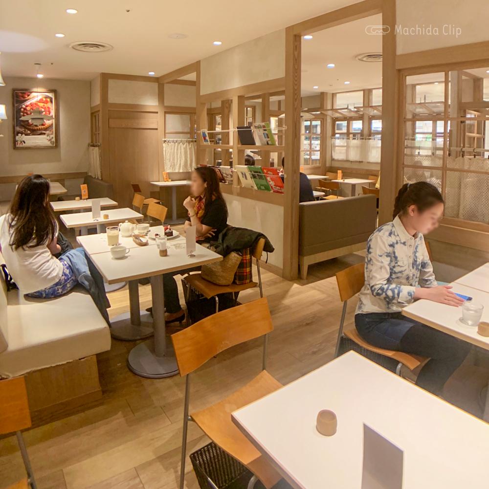 ラ・メゾン アンソレイユターブル ルミネ町田店(カフェ)の店内の写真