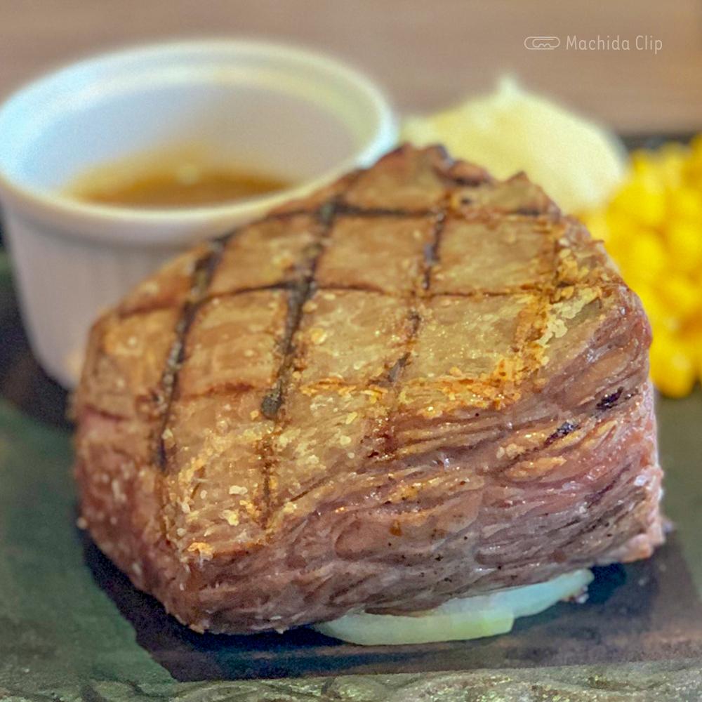にくスタ 町田旭町店のステーキの写真
