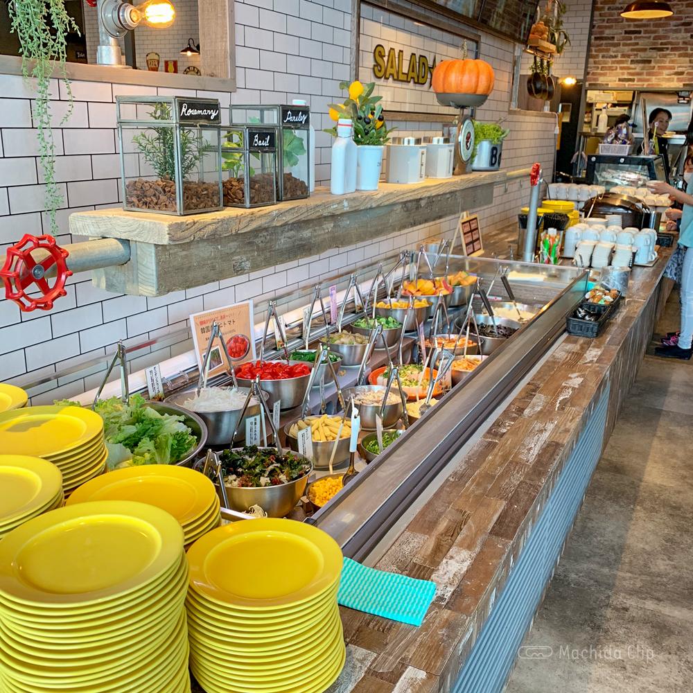 にくスタ 町田旭町店のサラダバーの写真