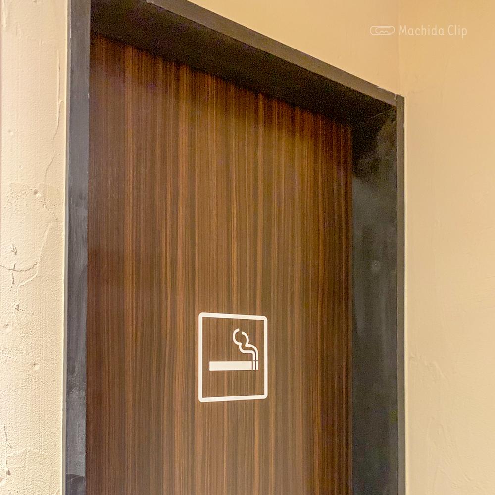 醤油料理 天忠の喫煙室の写真