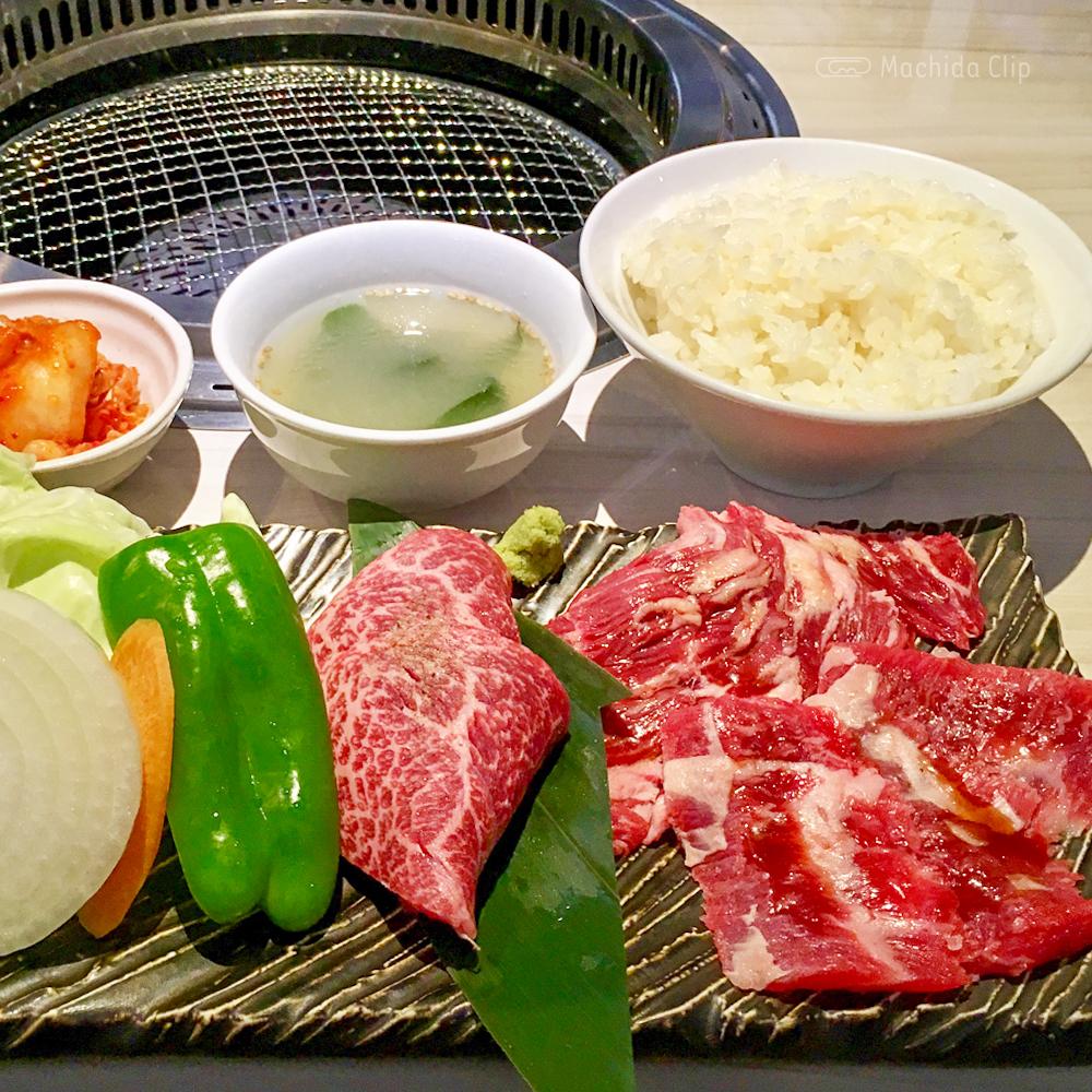 闘牛門の焼肉の写真