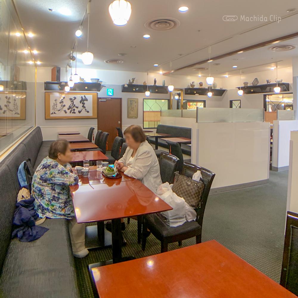 麻布茶房 小田急町田店の店内の写真