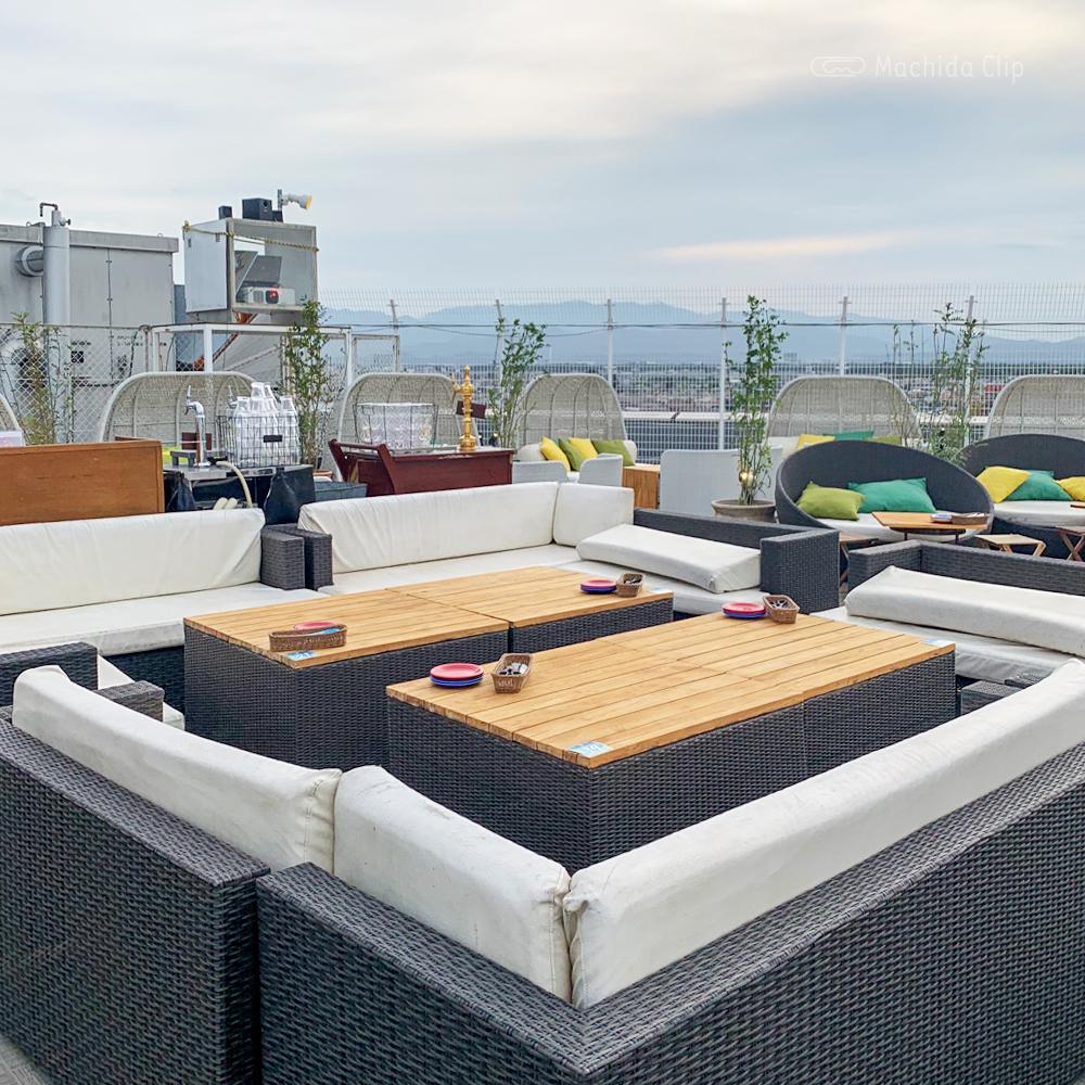 ルガル・ア・アモールのソファ席の写真