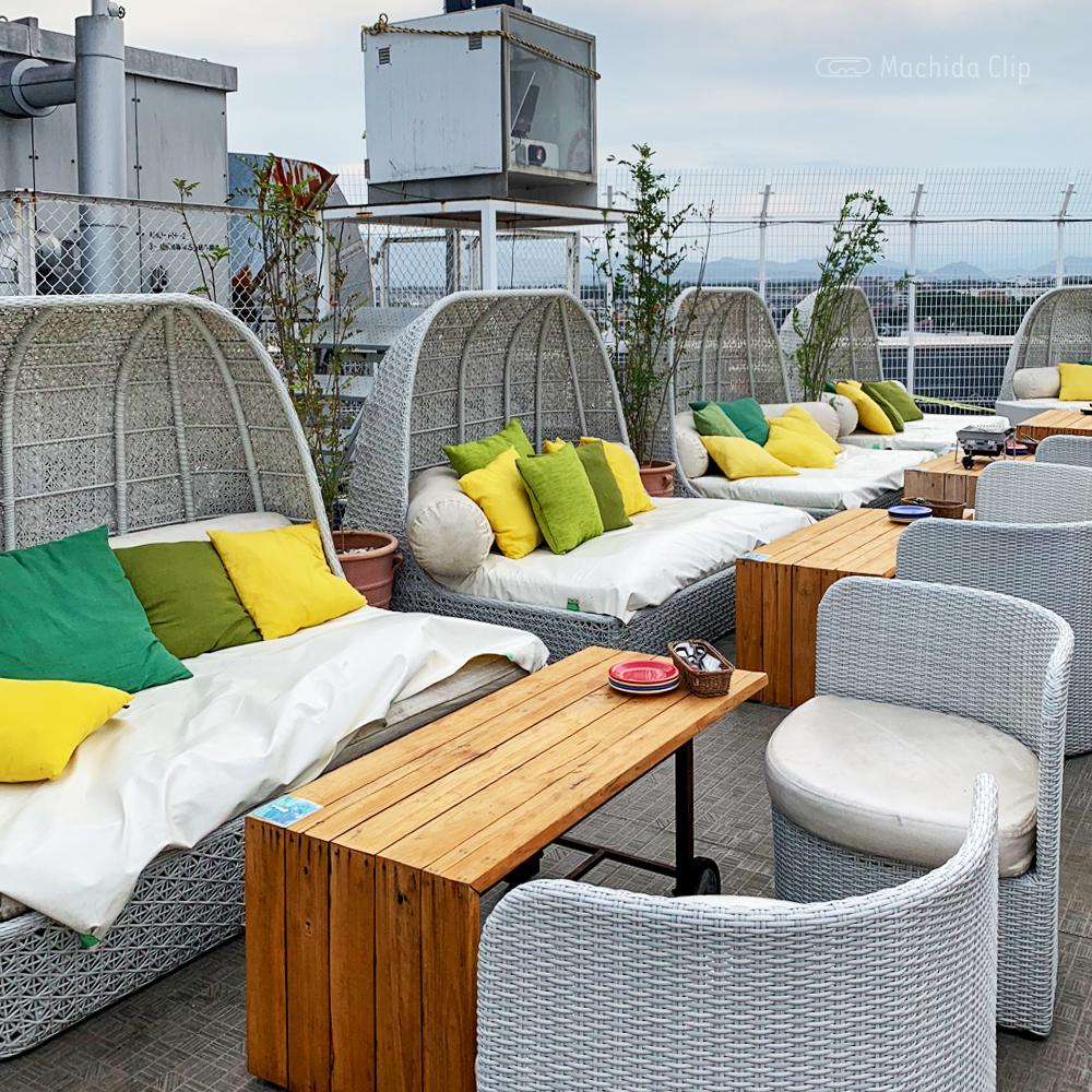 ルガル・ア・アモールのベッドソファの写真