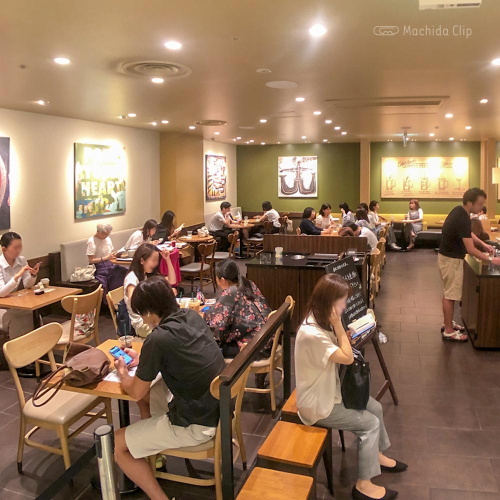 スターバックスルミネ町田店の店内の写真