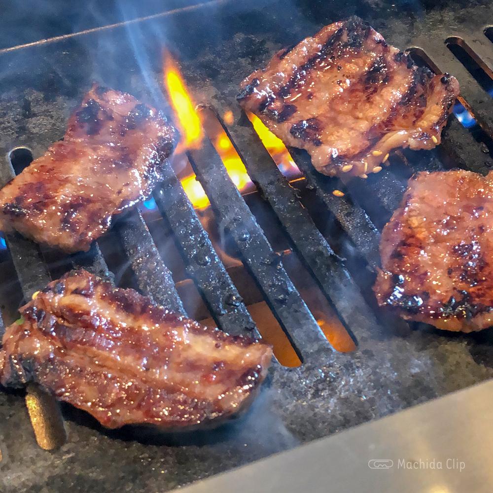 焼肉ホルモン やしちの焼肉の写真