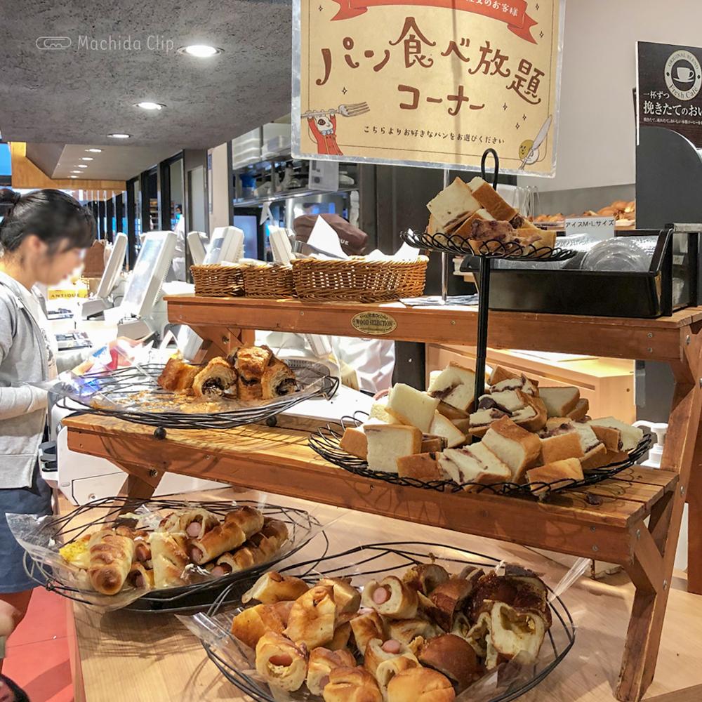 ANTIQUE(アンティーク)の食べ放題コーナーの写真