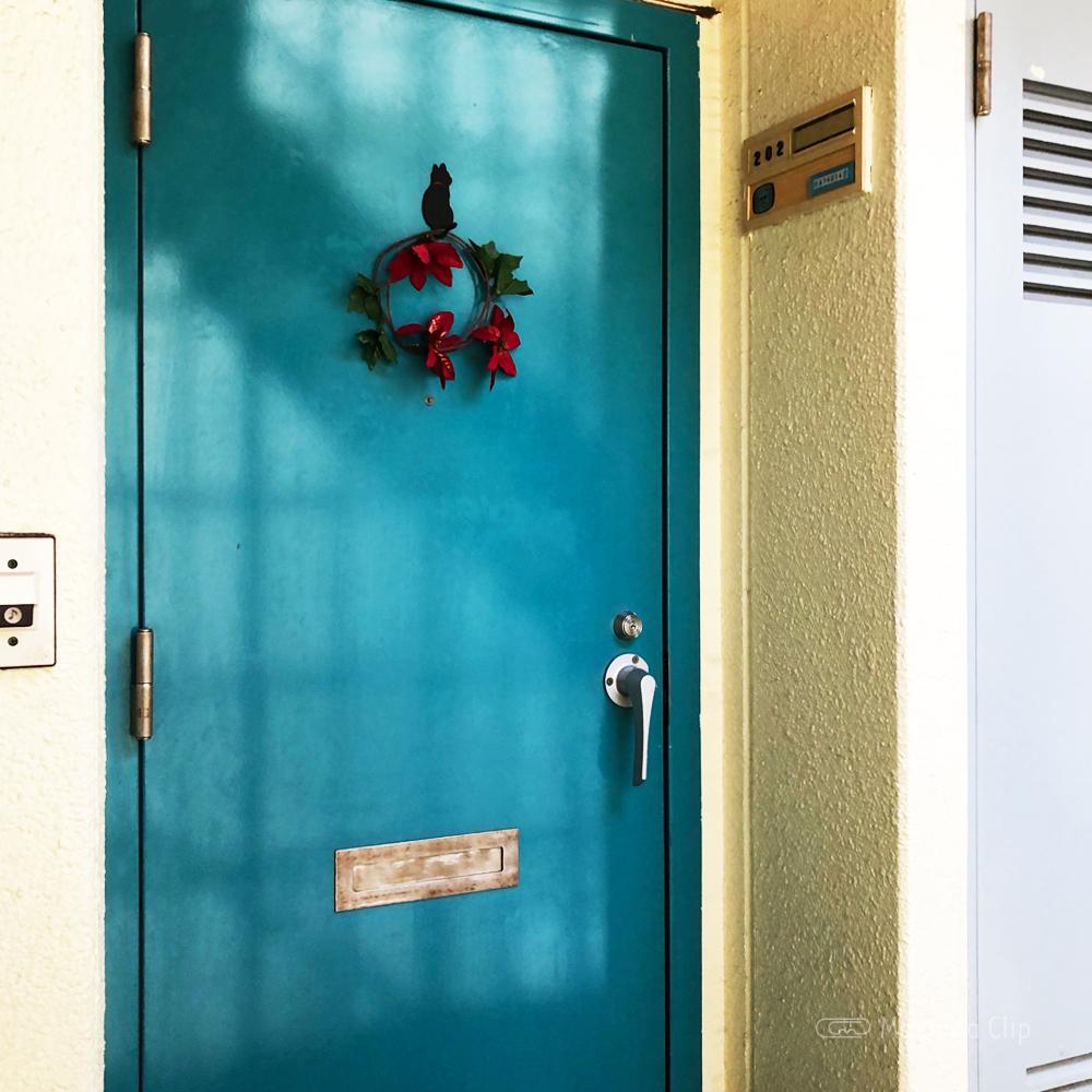 WAXING MOONの入り口の写真