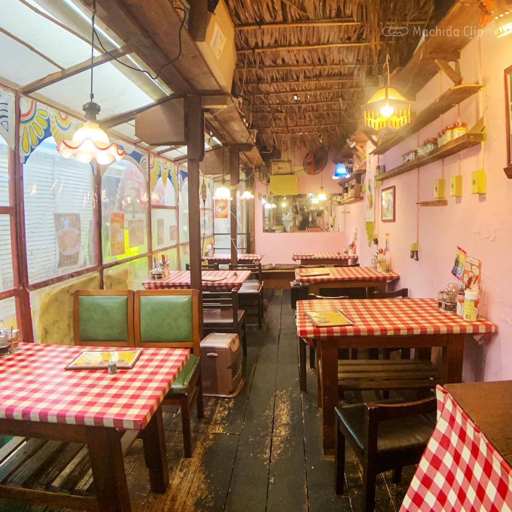 BACKPACKER'S CAFE 旅人食堂 町田屋台店 (バックパッカーズカフェ )の店内の写真