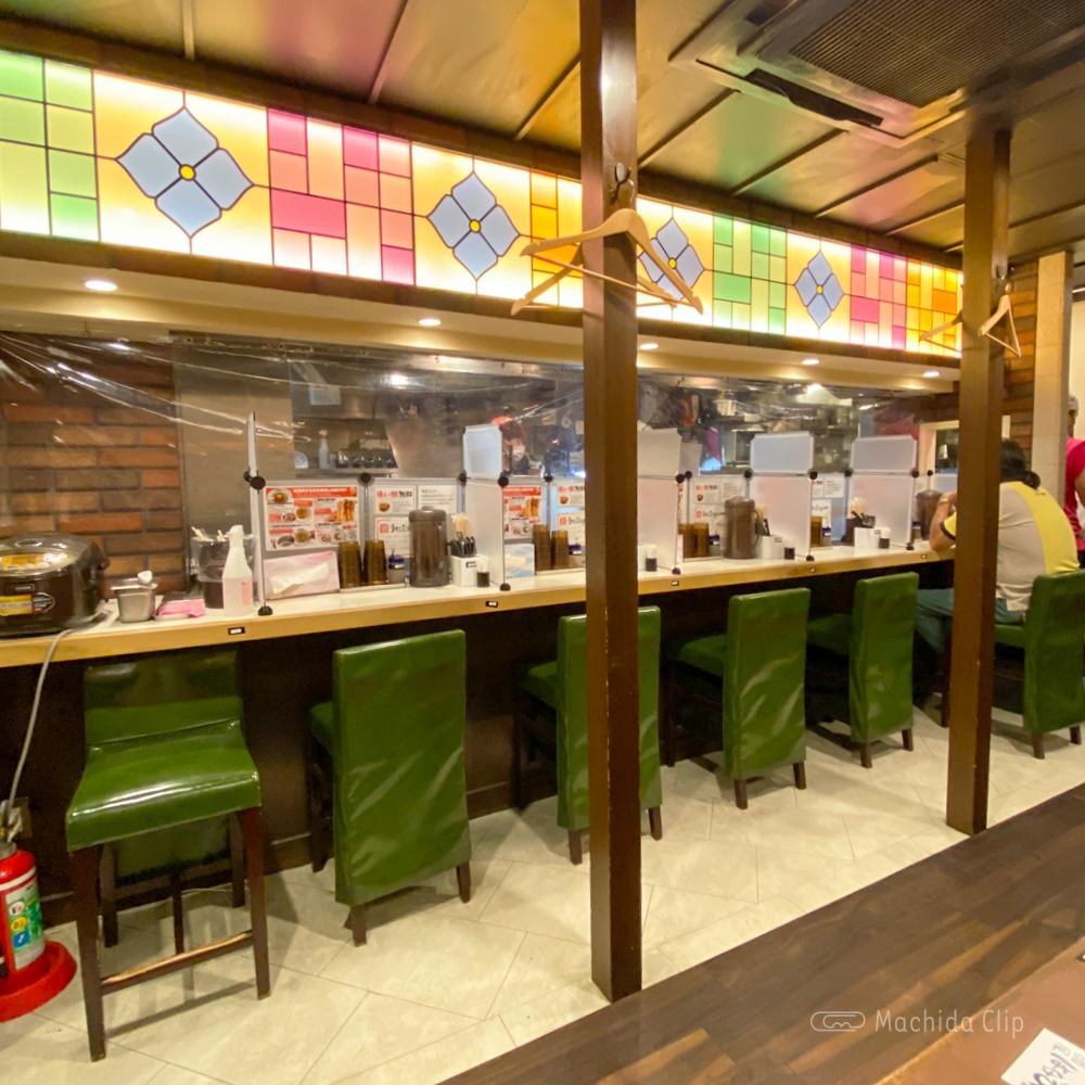 台湾まぜそば はなび 町田北口店の店内の写真