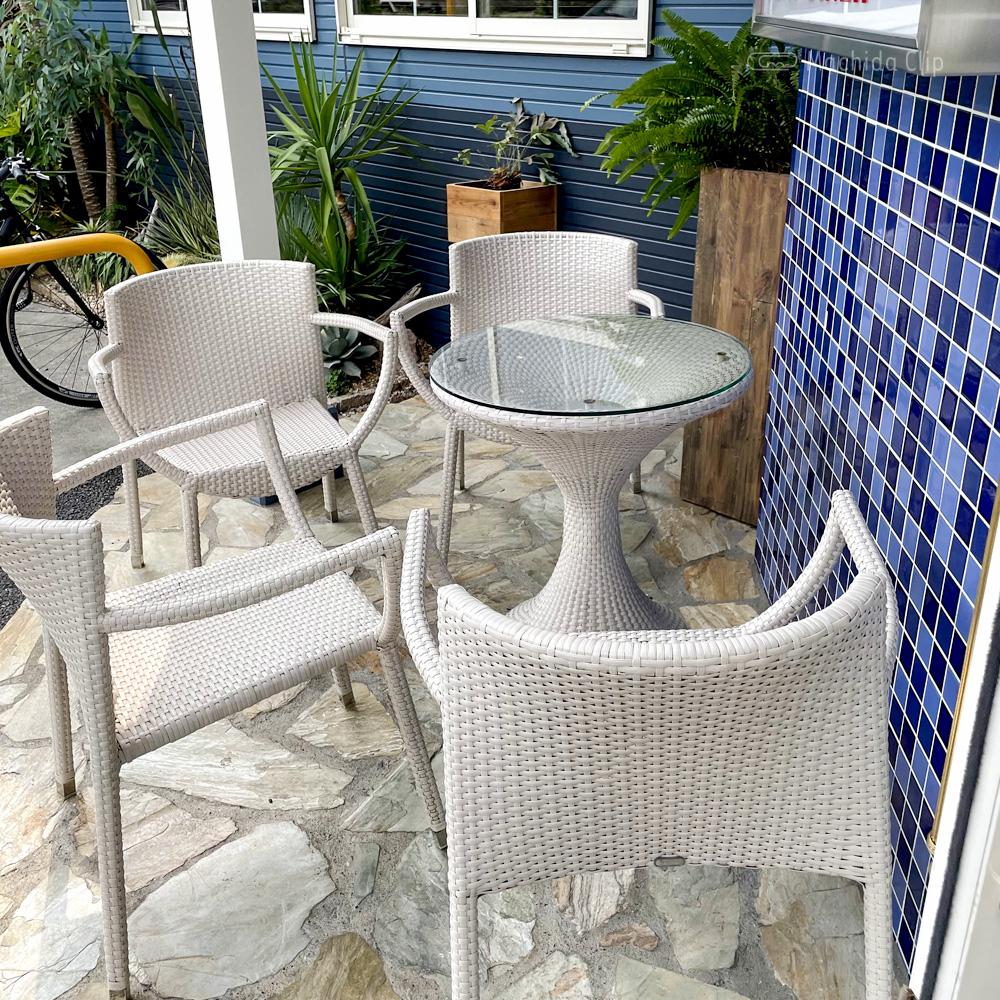 ゼロワンカフェ (ZERO ONE CAFE)金井店のテラス席の写真